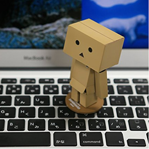 KAIYODO海洋堂 阿楞 纸箱人玩具公仔80mm mini款