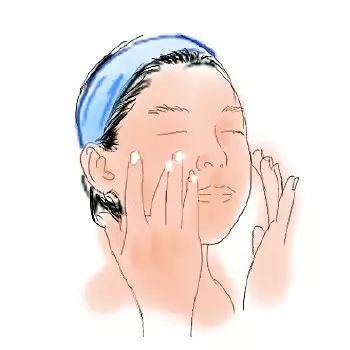 日本代购化妆水的正确使用方法