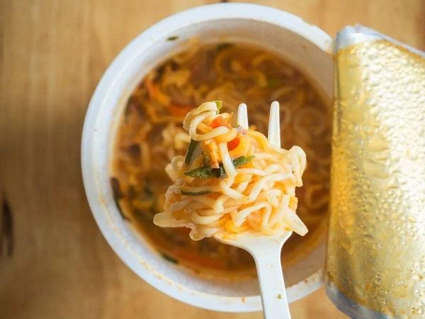 """日清食品生产的杯装方便面""""Cup Noodles"""""""