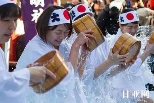 日本女孩冬天为什么不怕冷